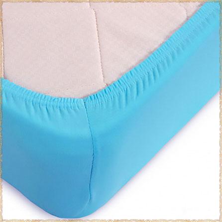Трикотажная простыня на резинке. Материал кулирка. Цвет голубой.