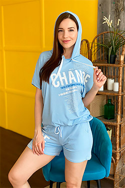 Футболка модная с капюшоном 8114