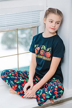Костюм на девочку с ярким рисунком 21508