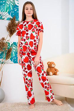 Пижама на девочку с веселым принтом Клубника