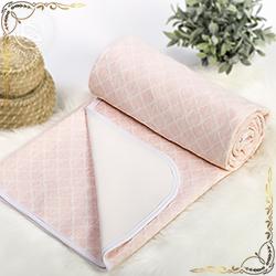 Покрывало Ромбы розовое из трикотажного полотна