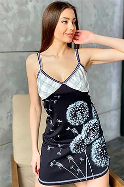 Сорочка с декоративным вырезом на спине 8040